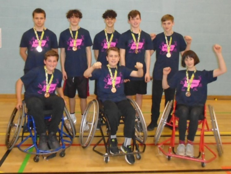 APS Inclusive Sports Team win award